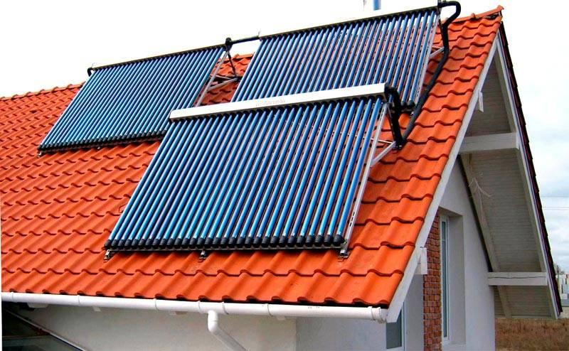 Определенные выгоды можно получить, если установить на крыше солнечный коллектор
