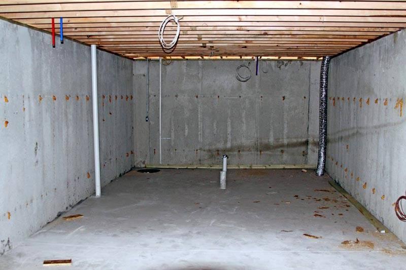 В этом гараже и приточка, и вытяжка уже выполнена