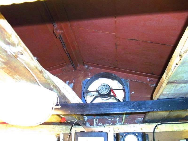 Весьма простой способ принудительной вентиляции в железном гараже