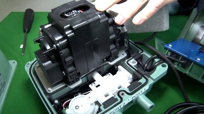 В это оборудование устанавливают надежные и производительные компрессоры HIBLOW (Япония)
