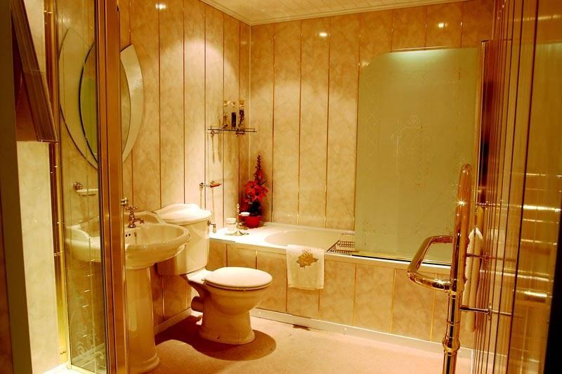 Вариант оформления ванной комнаты панелями