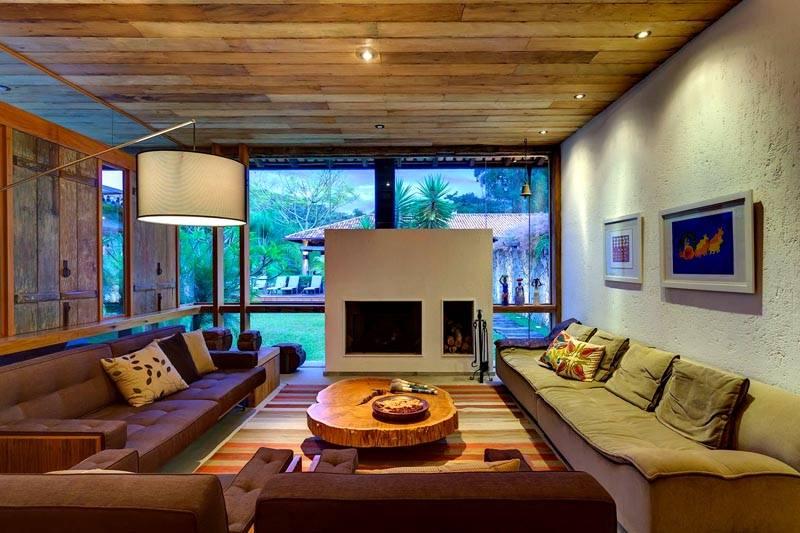 Оформляя одну стену, выполняют зонирование пространства в большой комнате