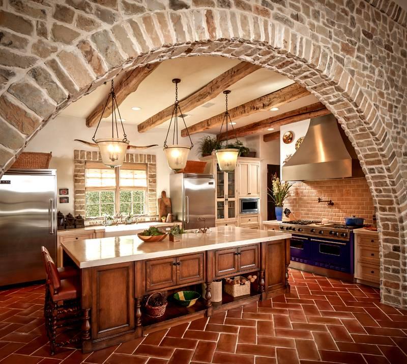 Средиземноморский интерьер кухни