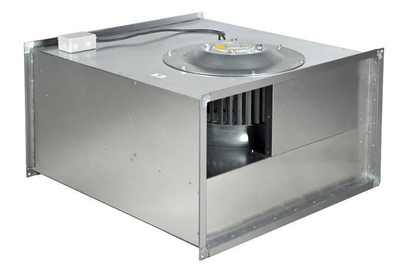 В крупные воздуховоды устанавливают специализированные вентиляторы