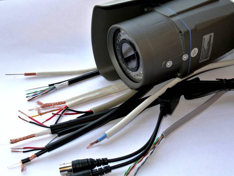 Линии передачи сигнала, кабели или Wi-Fi устройства подбираются в соответствии с типом систем