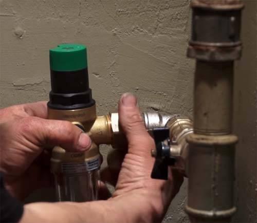 Регулятор давления в системе водоснабжения: есть ли необходимость в его установке?