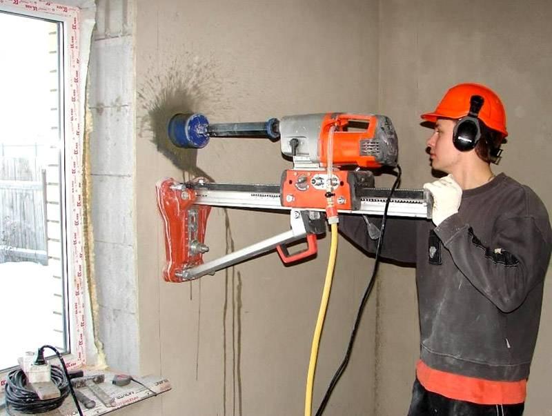 Поступление воздуха можно обеспечить с помощью отверстия в стене