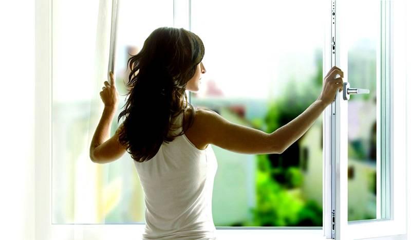 Активное проветривание способно быстро и значительно изменить уровень температуры в комнате