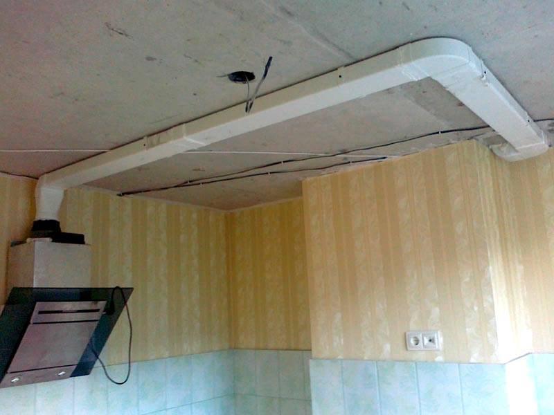 Таким воздуховодом можно быстро и точно подсоединить вытяжку к вентиляционному каналу