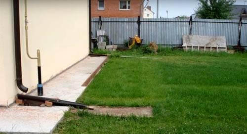 Дренаж на дачном участке: самый простой способ удалить лишнюю воду