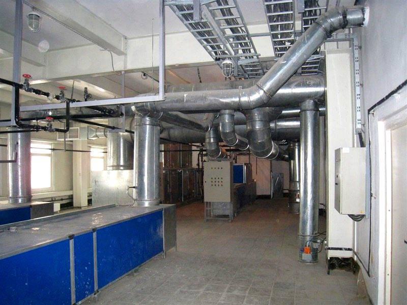 Прочные воздуховоды из оцинкованной стали хорошо подходят для создания крупных каналов