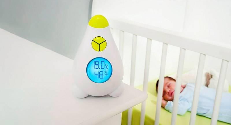 С помощью такого прибора контролируют процентное содержание воды и температуру воздуха в комнате
