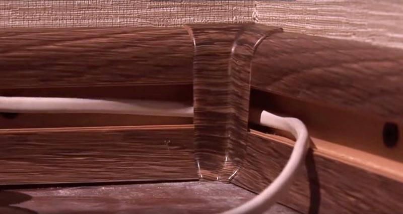Пластиковый плинтус позволит спрятать провода