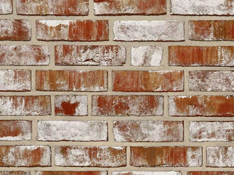 Состаренная плитка имеет характерную текстуру