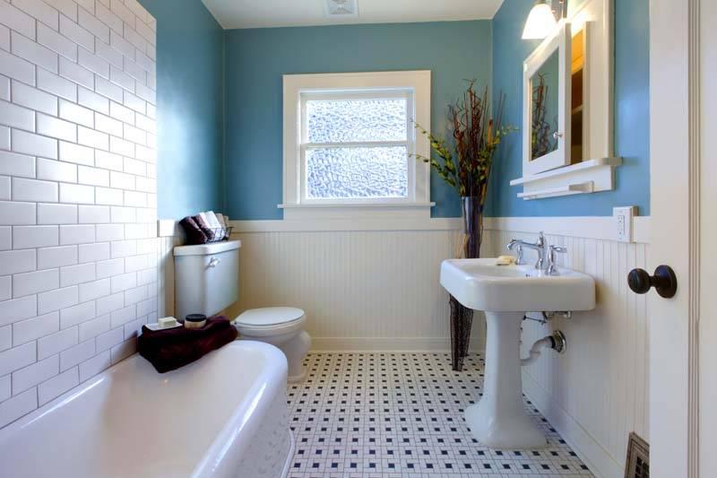 Пример зонирования пространства в ванной комнате частного дома