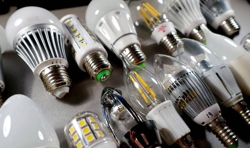 Широкий ассортимент лампочек