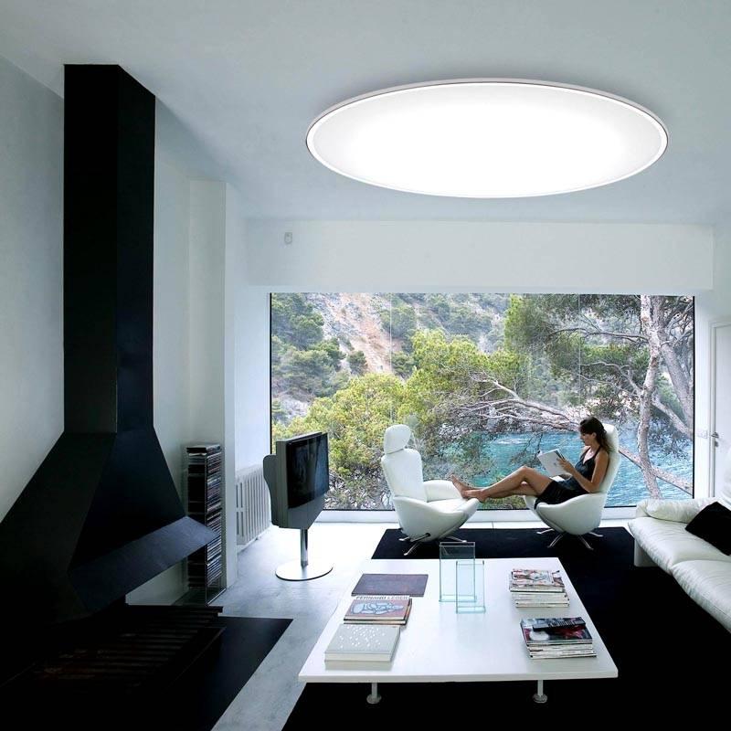 Интерьер с круглой лампой