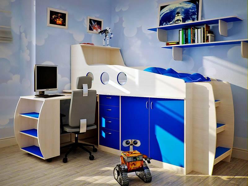 Под спальным местом за дверцами следует устроить зоны хранения одежды
