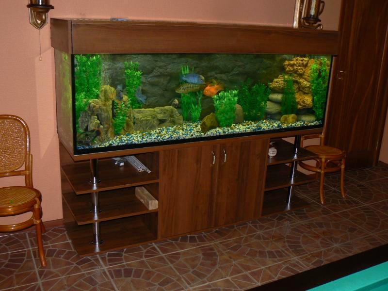 Для больших аквариумов тумба должна быть прочной и иметь хорошую устойчивость