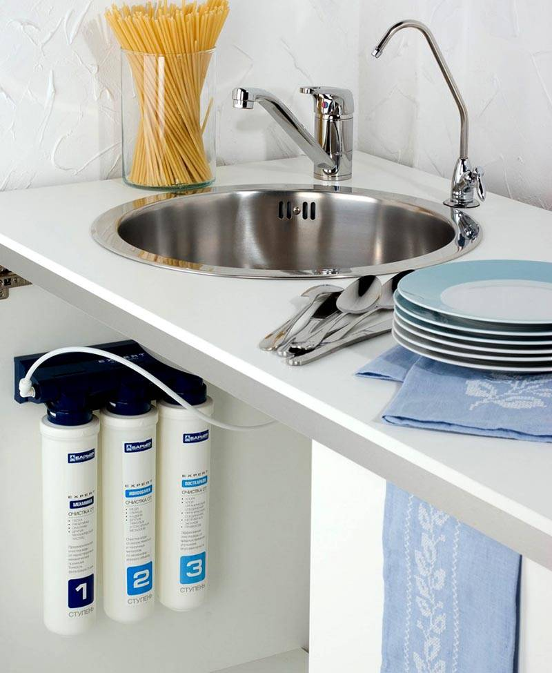 Типовые проточные фильтры для очистки воды в квартире