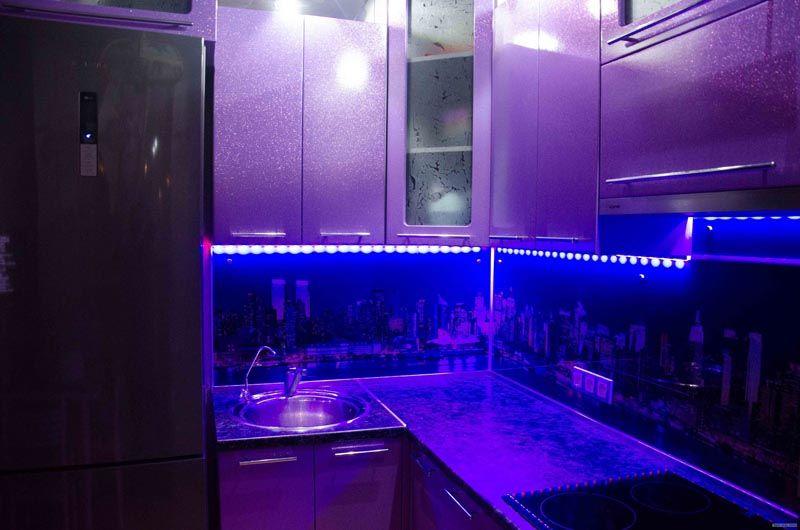 При помощи светодиодов возможно любую комнату сделать удивительной