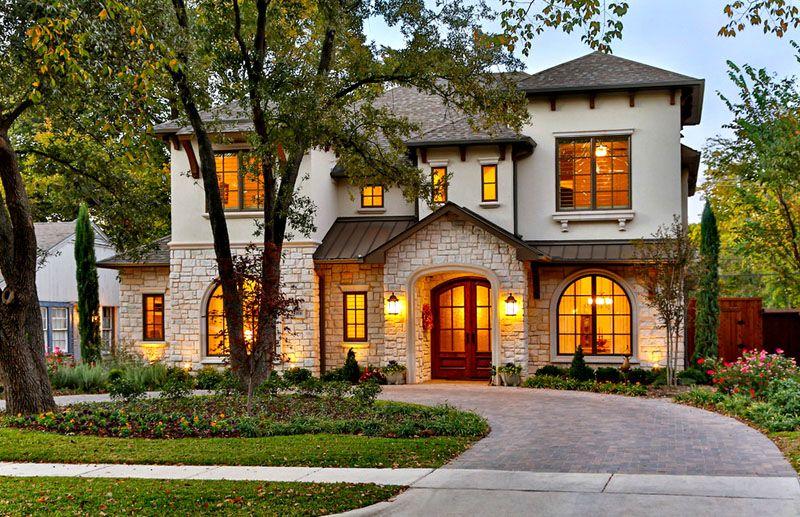 Двухэтажный дом – это престижно. Как правило, такое строение говорит о статусе его владельца
