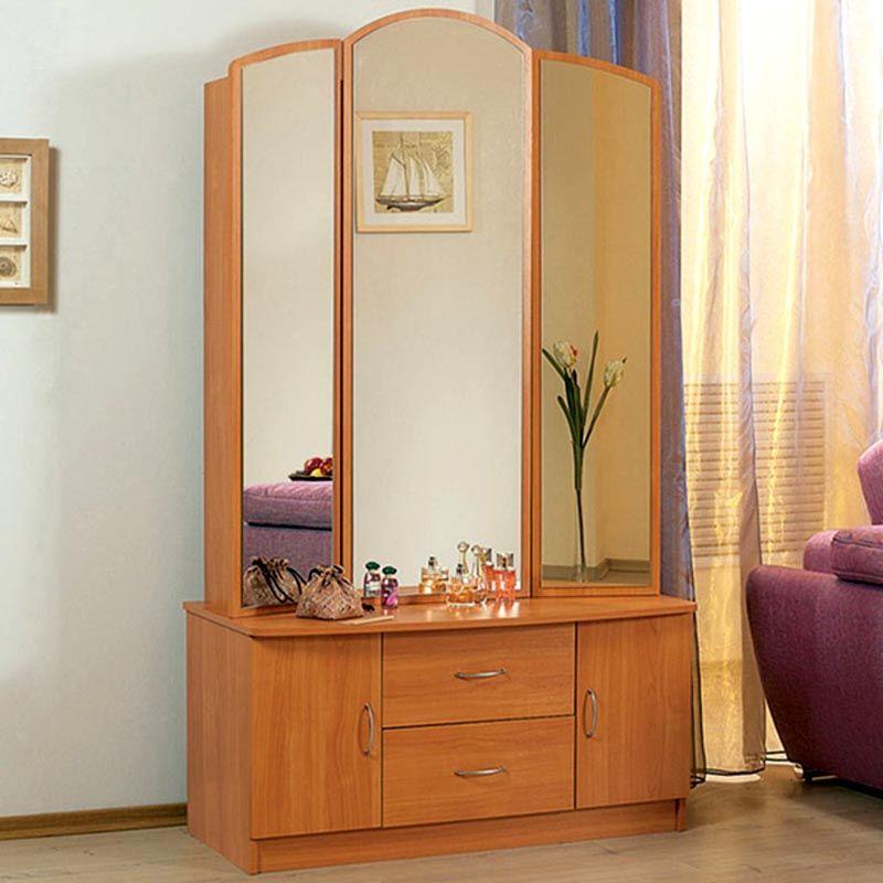 Основное отличие трельяжа от трюмо это складные зеркальные створки