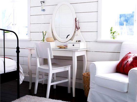 Желательно чтобы столик для макияжа был в одной цветовой гамме с интерьером