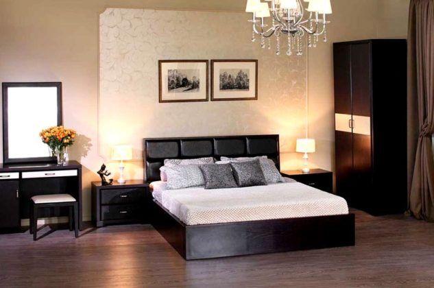 Контраст светлых стен и темной мебели – это здорово