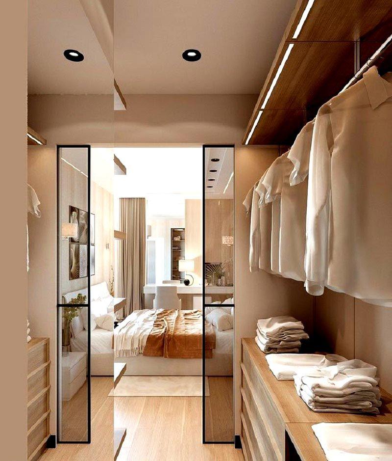 При достаточной ширине части гардеробной размещают на противоположных стенах