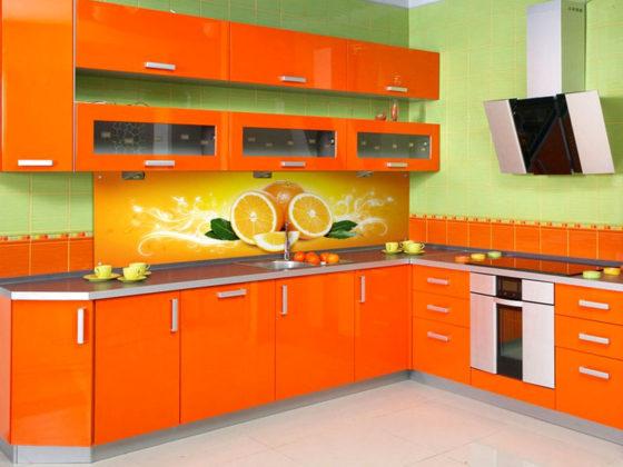 Фартук для кухни из пластика: виды и характеристики материала, дизайн, особенности монтажа