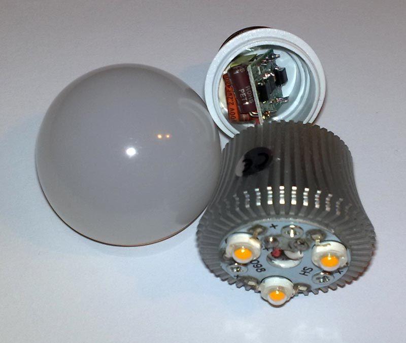 Разобрать светодиодную лампу не сложно, главное – чтобы польза была