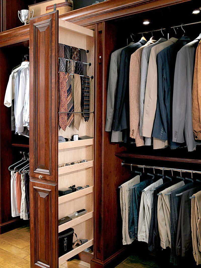 Для галстуков, аксессуаров применяют такие системы хранения