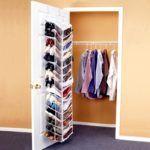 Функциональность задней стороны двери пригодится при оснащении небольшого помещения