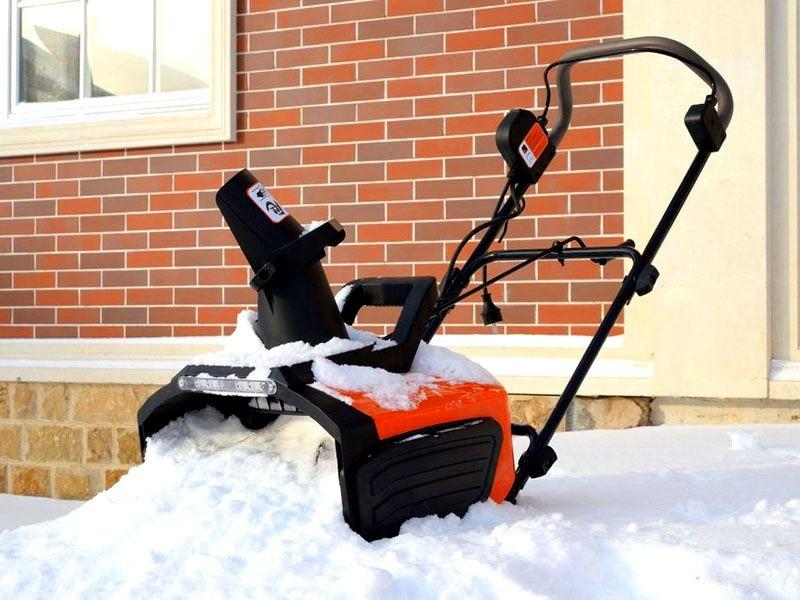 Механический снегоуборщик своими руками