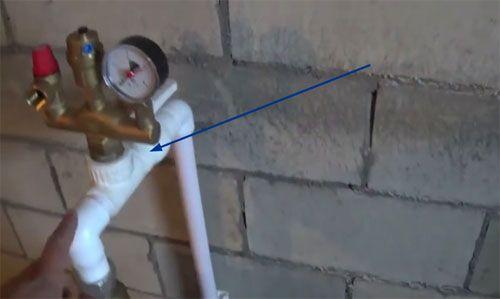 Водяное отопление частного дома своими руками: схемы и нюансы выполнения монтажных работ