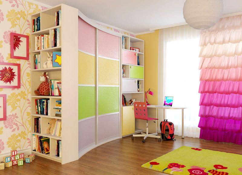 Многофункциональный и «радостный» шкаф для маленькой принцессы