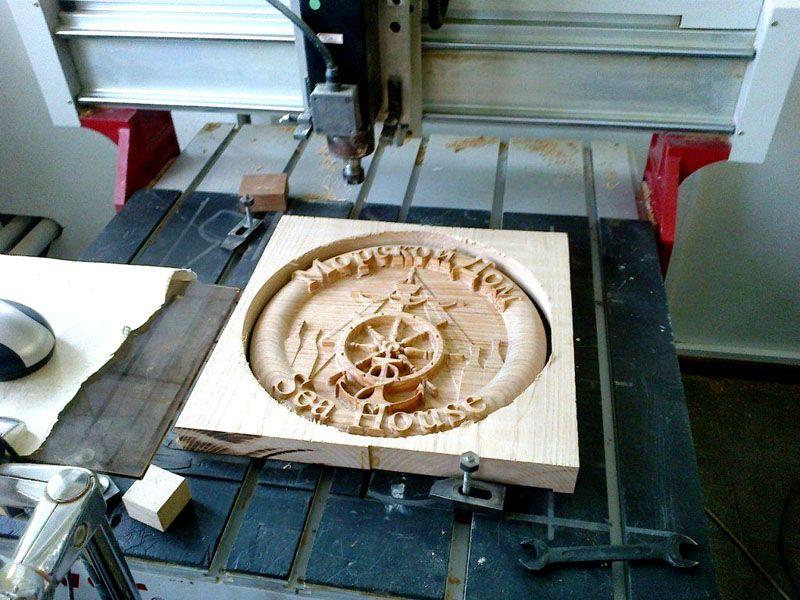 При правильном применении фрезы с высокой точностью создают сложнейшие изделия из деревянных заготовок