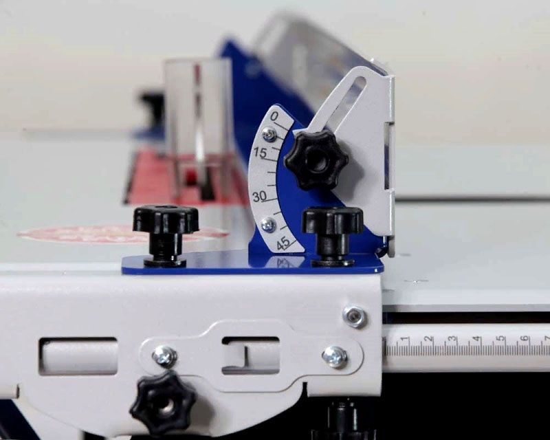 Обозначения на измерительных шкалах, защитные и декоративные покрытия отличаются высокой стойкостью к износу. Они созданы с применением порошковых красок с последующим упрочнением УФ излучением