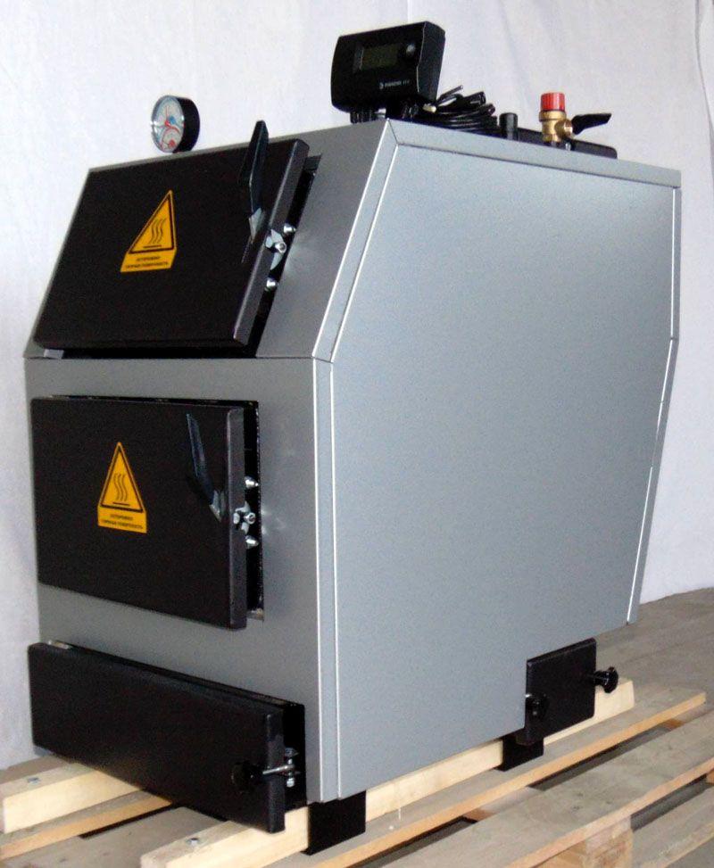 Температура в топке такого агрегата очень высока – без предупреждающих знаков на дверцах не обойтись