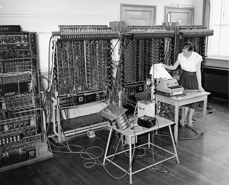 Релейная вычислительная машина РВМ-1 конструкции Н. И. Бессонова созданная в 1956 году