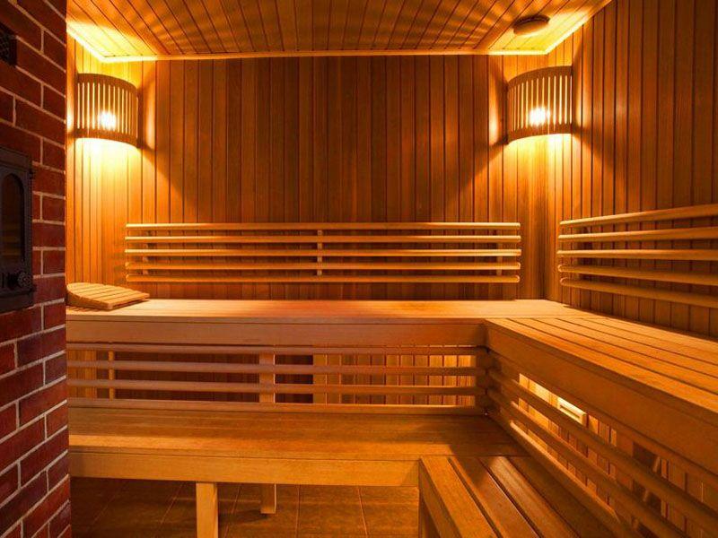 Внутренняя отделка бани с комнатой отдыха