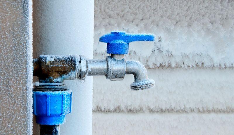 Вода – не лучший выбор для системы отопления загородного дома