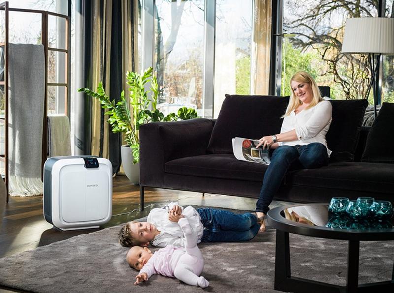 Увлажнитель воздуха поможет нежному детскому организму легче перенести жару