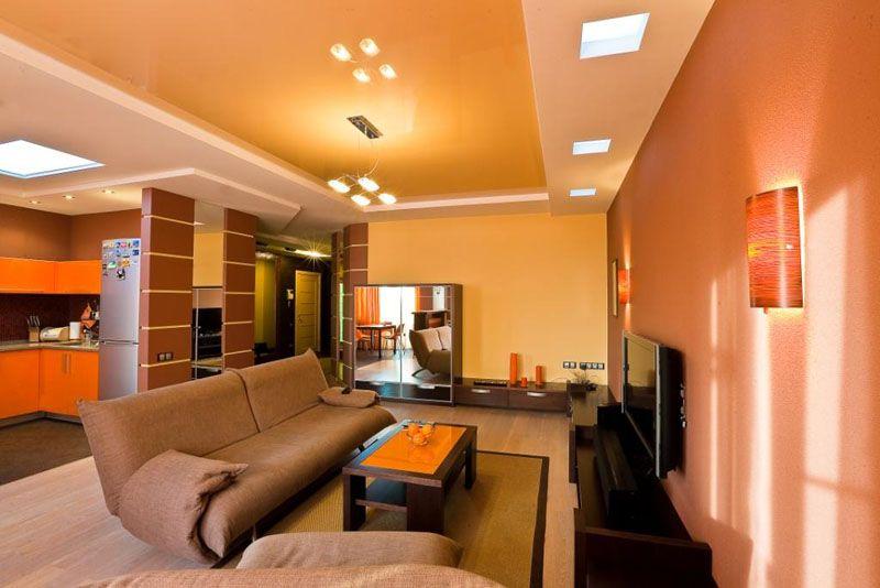 Многоуровневый потолок подойдёт для высоких помещений