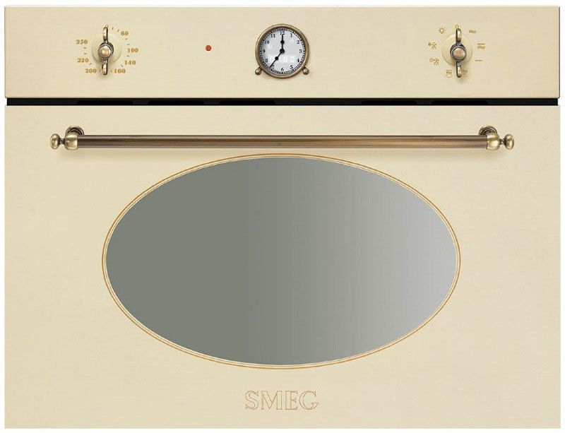 Часы на панели в ретро-стиле