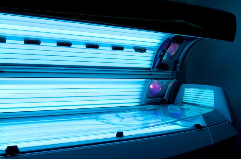 Применение ультрафиолета для придания коже загорелого оттенка
