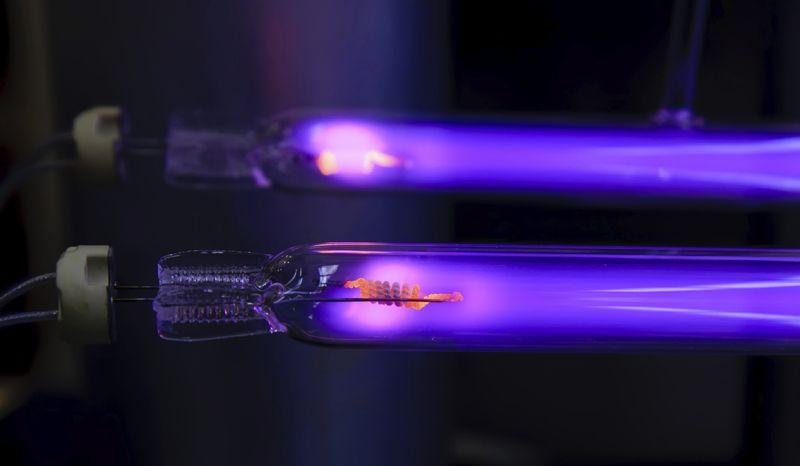 Излучение ультрафиолетовой лампы