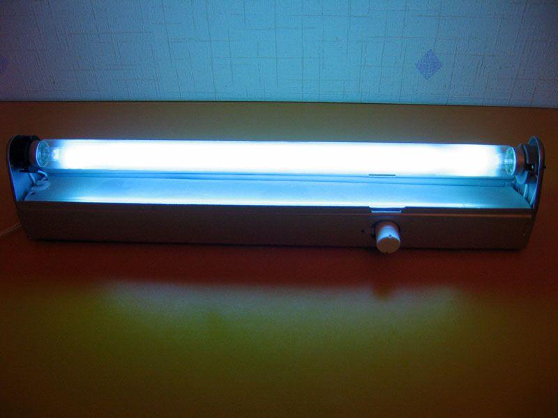 Кварцевая лампа, применяемая для дезинфекции помещений