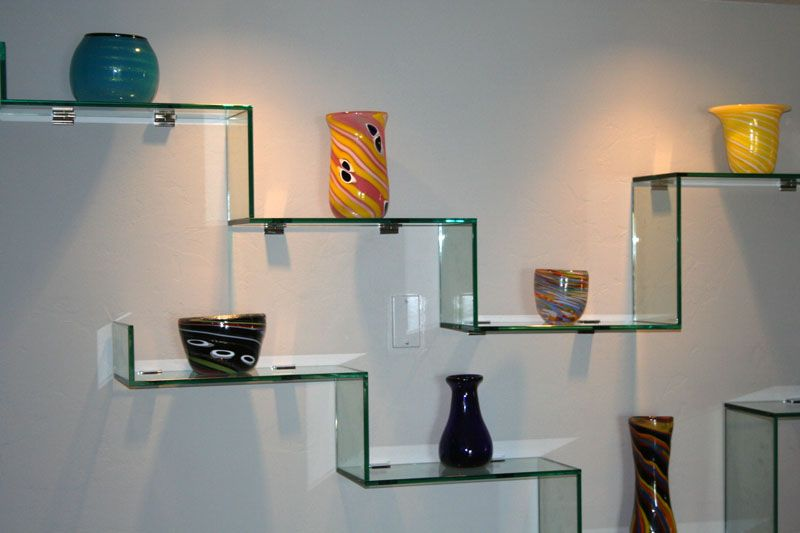 Стеклянная поверхность подходит для хранения различных предметов